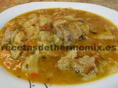 El gazpacho manchego, es un plato típico de la región manchega. Es un guiso a base de carne de conejo, pollo o costillar y trozos de torta cenceña manchega. En una hora aproximadamente tenemos listo un gazpacho manchego con thermomix para 4 personas.