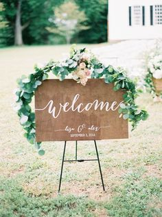 Lisa and Alex's Tuckahoe Plantation Wedding by Emily March Photography | Wedding Sparrow
