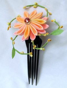 Kanzashi...very pretty!