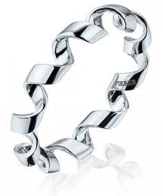 Кольцо PIERRE из белого золота - Белое золото 750 пробы  - Размеры: 16-16.5-17-17.5 #PIERRE #PIERREjewellery #PIERREparis #jewellery 18K white gold ring with sea pearls by PIERRE