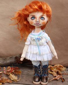 ПРОДАНА .(наконец-то сфоткала не торопясь. Так что извините- еще покажу этих девочек)  3700+доставка 300 #кукла #ручнаяработа #хендмейд #авторскаяработа #коллекционнаякукла #doll #handmade #artdoll #dollart #рыжая #осень