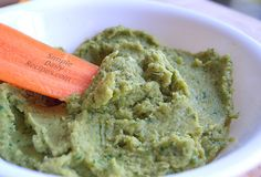 Spinach Hummus Without Tahini recipe picture by Simple Daily Recipes Hummus Recipe With Tahini, Hummus Dip, Spinach Dip, Baby Spinach, Vegetarian Recipes, Healthy Recipes, Yummy Recipes, Snack Recipes, Recipes