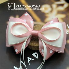 bow idea, love the top thin ribbon and thicker layers underneath Ribbon Hair Bows, Diy Hair Bows, Diy Bow, Thin Ribbon, Fabric Bows, Fabric Flowers, Hair Bow Tutorial, Boutique Hair Bows, Making Hair Bows