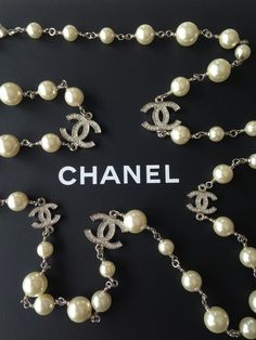 Chanel 2018 Classic White Pearl Silver Crystal 5 CC Necklace New Chanel Necklace, Chanel Pearls, Chanel Jewelry, Luxury Jewelry, Fashion Jewelry, Beaded Necklace, Bijou Box, Coco Chanel Fashion, Cultured Pearl Necklace