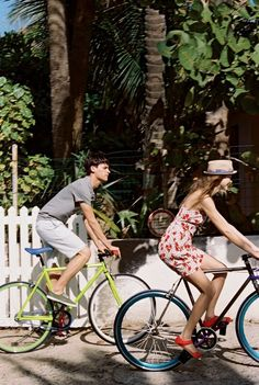 Love, couples biking togerher. Bicycles Love Girls. http://bicycleslovegirls.tumblr.com/