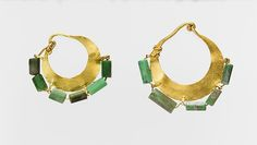 Gold and variscite earring (one of a pair), Gold, chalcedony, Roman, Cypriot Antique Earrings, Antique Jewelry, Roman Jewelry, Greek Fashion, Jewelry Showcases, Ancient Jewelry, Art Object, Metropolitan Museum, How To Make Beads