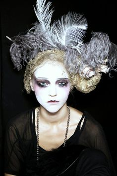 john galliano runway make up