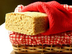 Easiest homemade whole wheat bread ever! http://www.caldeiraodabruxasolar.com/2013/03/pao-rustico-integral-sem-sova.html