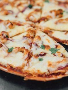 Baked Cream Cheese Spaghetti, Baked Spaghetti, Pizza Recipes, Chicken Recipes, Dinner Recipes, Pizza Bites, Low Carb Pizza, Chicken Pizza, Good Pizza