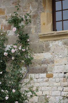 Beautiful!    http://www.fairytalesaretrue.com/#