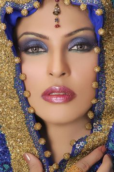 the extasic eyes ve win the hearts over.my most appreciated makeup.in this look both eyes n lips r given equal importance with arabic touch Beautiful Eyes, Beautiful People, Beautiful Women, Beautiful Clothes, Beauty And Fashion, Exotic Women, Exotic Beauties, Eye Make Up, Woman Face