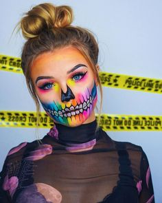 Image could contain: 1 person, close-up - Julia Beautx - Couples Halloween, Amazing Halloween Makeup, Trendy Halloween, Halloween Makeup Looks, Halloween Kostüm, Couple Halloween Costumes, Helloween Make Up, Special Effects Makeup, Crazy Makeup