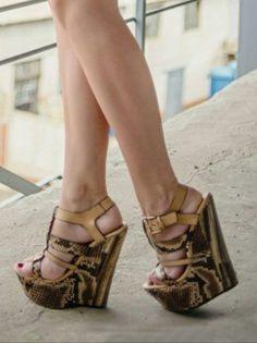 445 besten Wedges Bilder auf Pinterest   Wedges, Heels und Heel boot