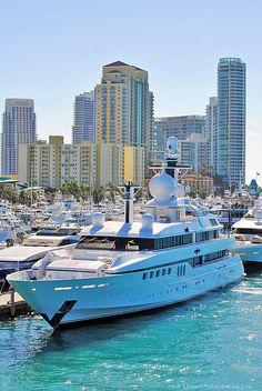 yacht !