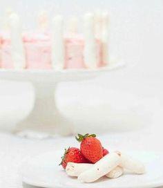 Strawberry vacherin