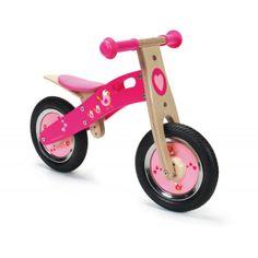 Deze houten loopfiets Love Birds (6181426) van het merk Scratch helpt en ondersteunt uw kind in het leren van de balans te houden op een tweewieler, heeft een stoer uiterlijk en is een echt race monster. De loopfiets heeft een verstelbare zithoogte en een begrensde sturing. Afmetingen 66 x 37 x 44 cm. Leeftijd 2+.