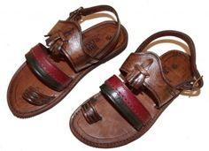 Sandália de Couro $45