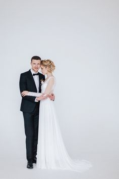 Gorgeous bridal and groom wedding photo| fabmood.com
