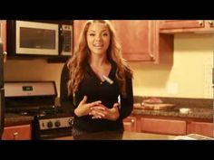 Brenda has a lot of cool videos. Best Diets To Lose Weight Fast, Easy Weight Loss, Healthy Weight Loss, Reduce Weight, Healthy Pizza, Healthy Foods To Eat, Vegan Pizza, Healthy Eating, Types Of Pizza