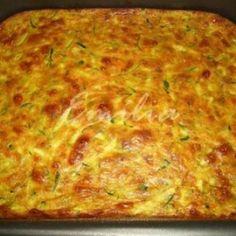 Receita de Torta cremosa de abobrinha - 250 gr de abobrinha ralada no ralo grosso - usei 2 unidades de zucchini, 1 ovo, 1/2 tomate sem pele e sem sementes p...