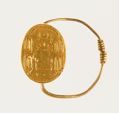 Scarab Finger Ring of Senwosret III Period: Middle Kingdom Dynasty: Dynasty Reign: reign of Senwosret III Date: ca. Modern Egypt, Ancient Egyptian Jewelry, Vintage Gold Rings, Ancient Beauty, Ancient Artifacts, Luxury Jewelry, Jewelery, Egyptian Things, Gems