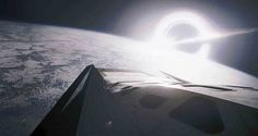Tähdet ja avaruus: Apua taustasäteilystä - mustan aukon planeetta ei välttämättä ole elinkelvoton