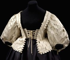 Bodice - front view Place of origin:England (made) (made) Artist/Maker: Unknown Materials and Techniques:Silk satin, silk taffeta, canvas, buckram and whalebone, hand sewn Museum Gallery location:In Storage 17th Century Clothing, 17th Century Fashion, Vintage Dresses, Vintage Outfits, Vintage Fashion, Edwardian Fashion, Historical Costume, Historical Clothing, Period Outfit