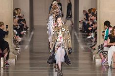 Yahoo Style will be bringing consumers live catwalk coverage, trend reports and more from London Fashion Week as it has signed a deal British Fashion Brands, Christopher Kane, British Style, Catwalk, Fashion Online, Branding Design, Kimono Top, Model, Fashion Design