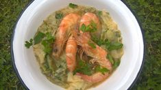 Νόστιμο και υγιεινό! Κόρες με Σπανάκι & Καρότο και Γαρίδες!! Shrimp, Greek, Homemade, Meat, Food, Products, Home Made, Essen, Meals