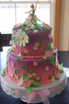 We challenge you to think of a girl who wouldn't love to be greeted with this cake on their birthday...!