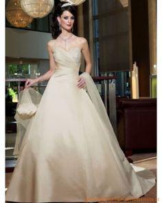Luxuriöses elegantes gesticheltes Brautkleid aus Satin
