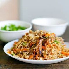 Hoisin pork with rice noodles recipe is like a giant stir fry that includes delicate rice noodles. Lots of veggies and tons of flavor. Pork Recipes, Asian Recipes, Cooking Recipes, Ethnic Recipes, Asian Foods, Chinese Recipes, Buffet Recipes, Oriental Recipes, Vietnamese Recipes