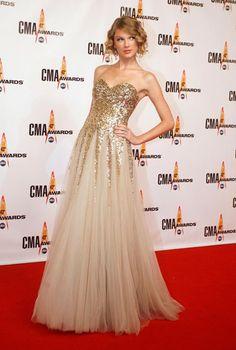 vestido de debutante dourado - Pesquisa Google
