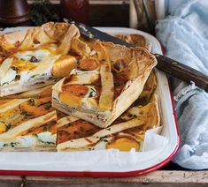 Bacon and Egg Pie - Annabel Langbein – Recipes Salad Recipes With Bacon, Easy Salad Recipes, Healthy Dinner Recipes, Brunch Recipes, Picnic Recipes, Bacon Dishes, Bacon Egg, Linguine, Paella