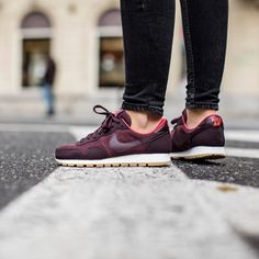 Buty Nike Wmns Air Pegasus 83 Leather