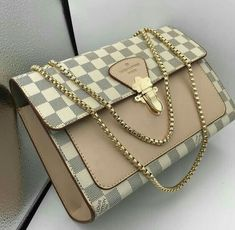 ladystylelooks - New LV Collection For Louis Vuitton Handbags,Must have it Luxury Purses, Luxury Bags, Luxury Handbags, Fashion Handbags, Fashion Bags, Travel Handbags, Fashion Purses, Fashion Clothes, Fashion Fashion