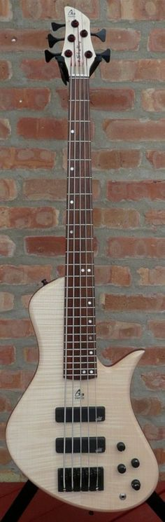 Shelby 5 strings electric bass guitar by French luthier Aquilina. One of the…