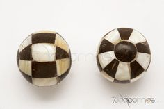 Pomo Madreperla y Coco-<b>6,00 €</b><br><br><a href='TIENDAONLINE-Pomo-Madreperla-y-Coco-290' ><b>Ir al producto</b></a> Cufflinks, Accessories, Antique Vanity, Wedding Cufflinks, Jewelry Accessories