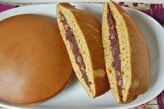 Sashimi, Dorayaki Receta, Bento, Asian Recipes, Sweet Recipes, Pancakes Sans Gluten, Lactose Free, Hot Dog Buns, Main Dishes