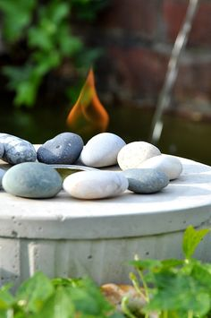 Feuerschale aus Beton-Flamme-DIY Beton Diy, Diy Blog, Backyard Landscaping, Sweet Home, Landscape, Fruit, Projects, Interior, Garden