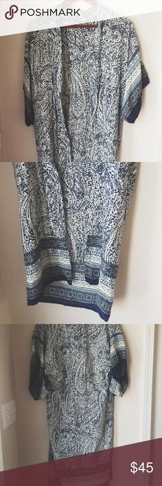 Elodie split sleeve mixed paisley print kimono ⋈ Paisley and floral print kimono ⋈ Features cut-through sleeves as shown ⋈ Has vintage vibes ⋈ A very unique piece ⋈ Brand is Elodie, purchased at Urban Outfitters ⋈ Price is negotiable! Urban Outfitters Sweaters