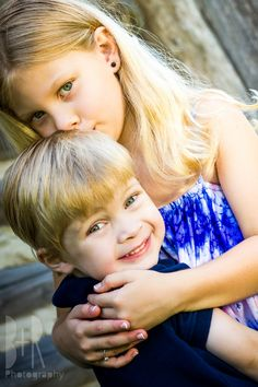Brother & Sister Photo Session   Sibling Love   Park   Outdoors   Hug - B+R Photography, Nashville, TN Photographer