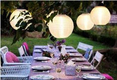 Ideas de iluminación para cenas al aire libre... #decoracion #iluminacion