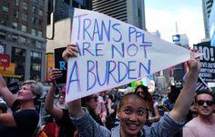 Trump firma el veto a los transgénero en el Ejército pero deja en manos del Pentágono la continuidad de los ya enrolados    El presidente ...