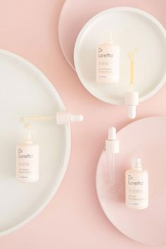 Fight Aging Skin with Dr. Loretta Source by nicolelafave The post Fight Aging Skin with Dr. Loretta appeared first on Create Beauty. Flat Lay Photography, Photography Branding, Beauty Photography, Product Photography, Cosmetic Photography, Photography Ideas, Photography Composition, Object Photography, Photography Accessories