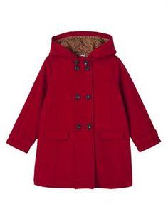 ¿Qué tendrán los abrigos rojos que siempre sientan tan bien? Abrijo rojo tipo comando para niñas de 2 a 14 años. #modainfantil #ropaparaniñas #otoño #invierno