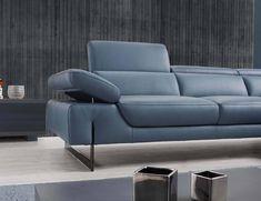 Living Room Sofa Design, Living Room With Fireplace, Geometric Furniture, Furniture Design, Scandinavian Sofas, Welded Furniture, Classic Sofa, Olay, Modern Sofa