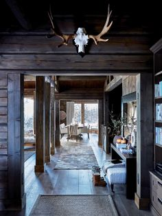 A Cozy Mountain Home in Norway (Gravity Home) Cottage Interiors, Rustic Interiors, Scandinavian Cabin, Chalet Interior, Interior Design, Interior Plants, Mountain Cottage, Gravity Home, Beach Cottage Style