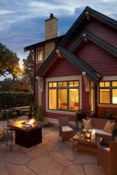 ideas exterior paint colora for house dark trim craftsman style Cottage Exterior Colors, Exterior Color Schemes, Exterior Paint Colors For House, House Color Schemes, Paint Colors For Home, Exterior Design, Brown Paint Colors, Red Paint, Brown Roofs