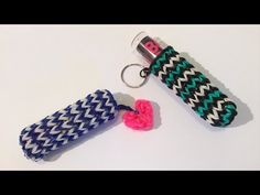 Rainbow Loom Nederlands, Lippenstift/Lipbalm hoesje - YouTube Rainbow Loom Tutorials, Rainbow Loom Bands, Rainbow Loom Charms, Rubber Band Charms, Loom Craft, Lipstick Holder, Diy Keychain, Cool Things To Make, How To Make